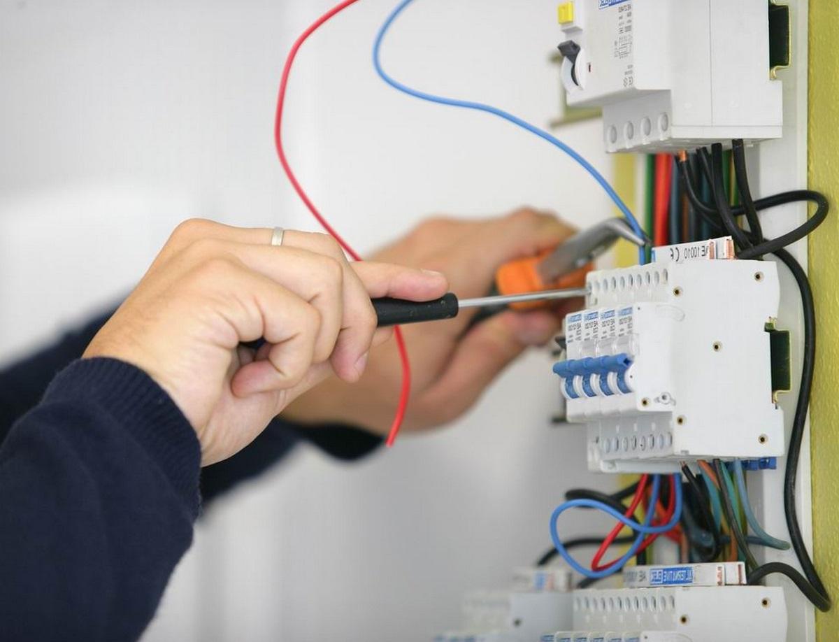 Вызов электрика на дом гомель